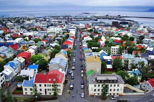 Reykjavik, Iceland - houses (trekearth.com) 2