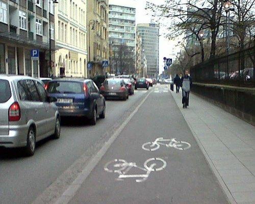segregated-cycle-lane-warsaw