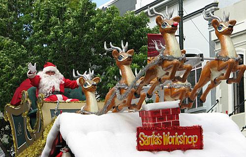santa-deer-1lr-img_4018 1