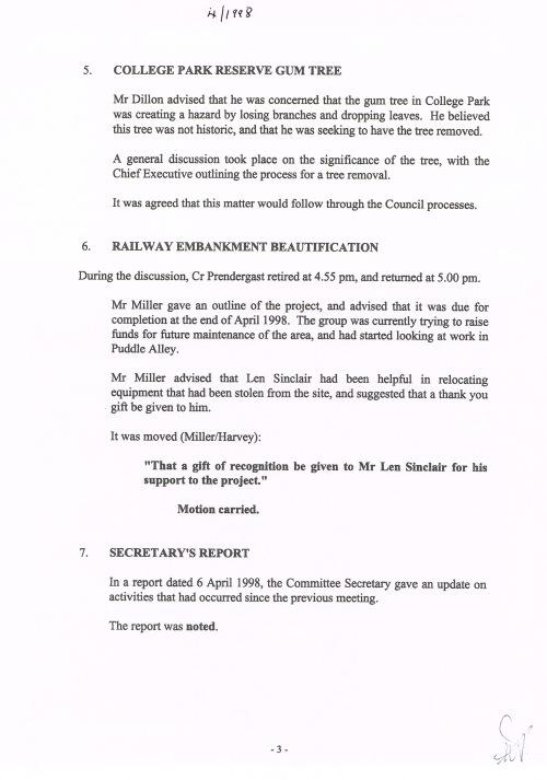 Mosgiel-Taieri Community Board minutes Apr 1998