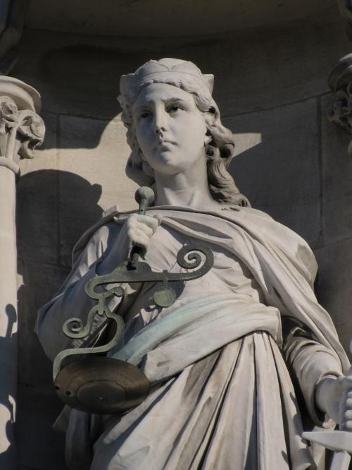 Justice IMG_0135 Elizabeth Kerr 27.8.15 1200 x 1600