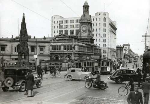 The Exchange, Dunedin [mp_natlib_govt_nz PAColl-8163-60] 1