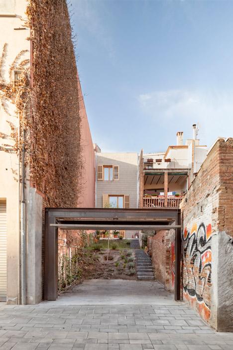176-House-E-M_Josep-Ferrando_dezeen_468_11