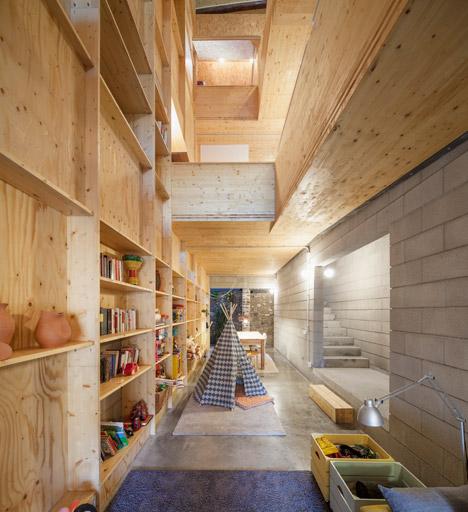 176-House-E-M_Josep-Ferrando_dezeen_468_8