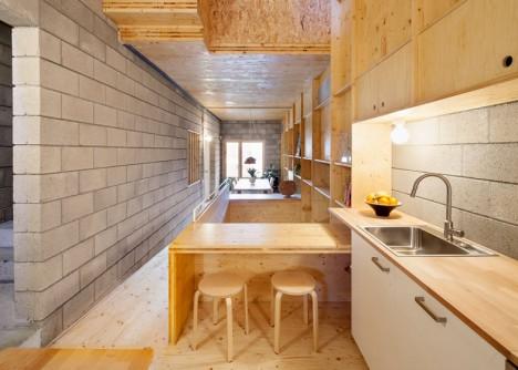 176-House-E-M_Josep-Ferrando_dezeen_ban