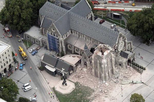 220211 News:Don Scott/The Press Christchurch earthquake. The Cathedral with its spire missing.