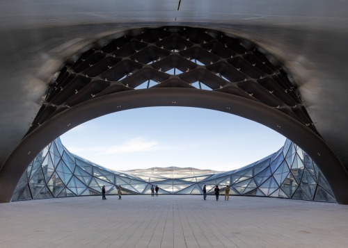 Harbin Opera House by MAD Architects_Beijing - plaza 1 [photo Adam Mørk]