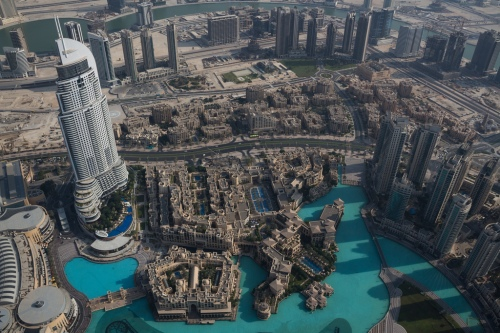 Address Hotel (L) from 124th of Burj Khalifa - by Daniel Zimmermann (via ibtimes.co.uk)