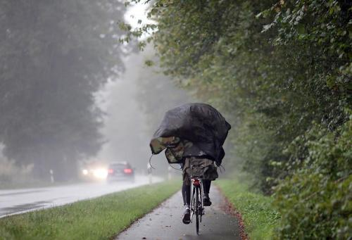 storm-ridden - wet cycling [n-tv.de]