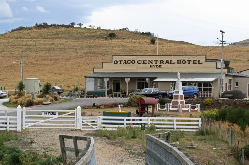 hyde-central-otago-talltalestravelblog-files-wordpress-com