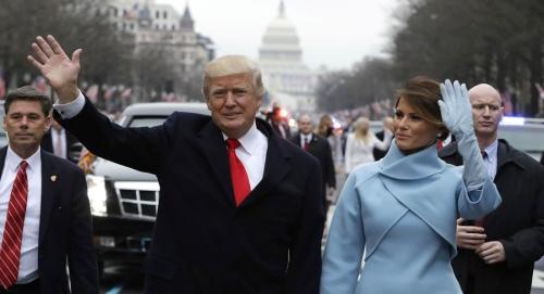 president-trump-and-melania-trump-inauguration-parade-20-jan-2017-abc7news-com
