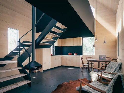 the-backcountry-hut-company-leckie-studio-architecture_dezeen_2364-interior