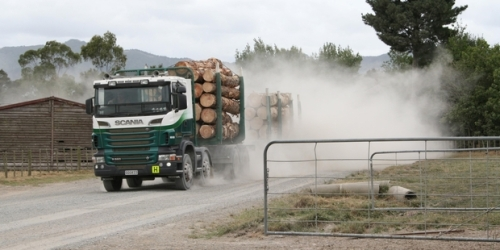 truck-generated-dust-at-pipiwai-issue-for-more-than-10-years-graham-wright-via-nzherald-co-nz