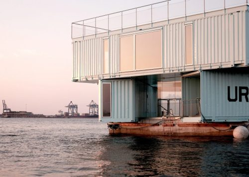 urban-rigger-bjarke-ingels-kim-loudrup-floating-student-houses_dezeen_2364-4